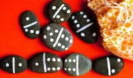 rock-dominoes